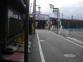 160429JR御所駅前のアーケードを抜ける