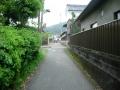 160429亀石から橘寺付近への脇道を抜ける