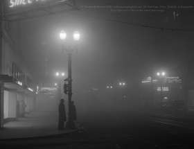 deLay_Black_and_white_photography_Fifth_Avenue_1948_Portland_Oregon_historic_noir_night.jpg