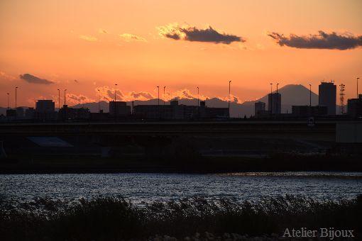022-シルエット富士
