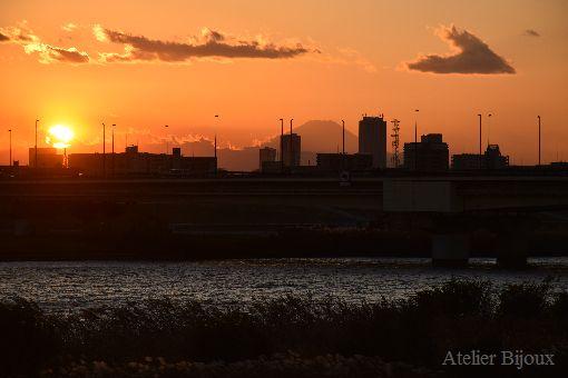 011-シルエット富士