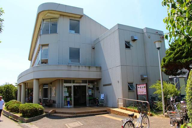 千葉県立野鳥観察舎 ここに野鳥保護病院もある