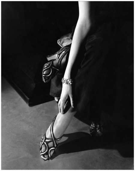 edward-steichen-princess-nathalie-paley-wearing-sandals-by-shoecraft-1934.jpg