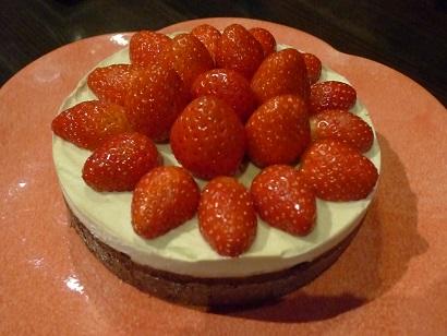 デコレーションケーキいちご1