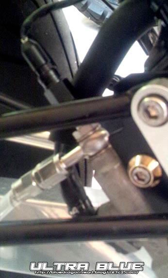 リヤ油圧スイッチ