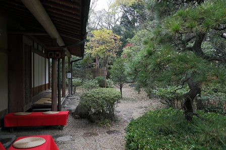 2011-10-08 華2328