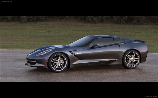 Chevrolet-Corvette-C7-Stingray-2014-widescreen-02.jpg