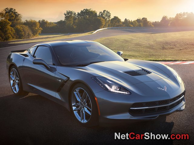 Chevrolet-Corvette_C7_Stingray_2014_photo_01.jpg