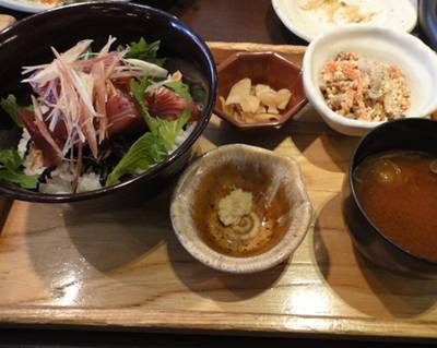 大戸屋 カツオ丼定食