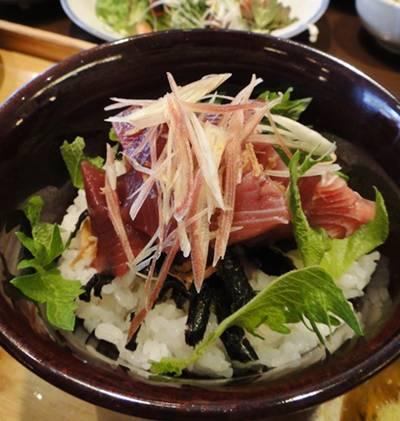 大戸屋 カツオ丼