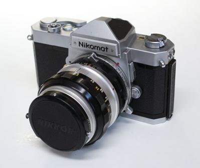 570px-Nikon_Nikomat_FT_01.jpg