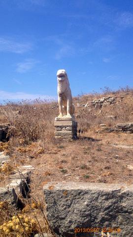 はぐれライオン像
