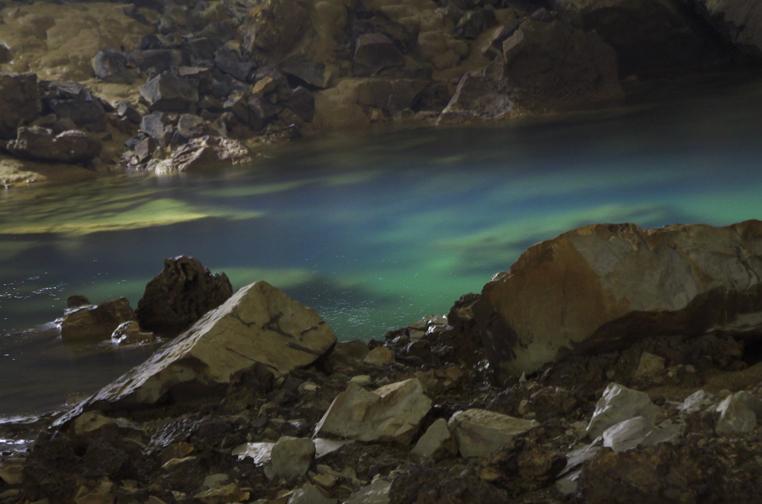 秋芳洞ブルーの水-107