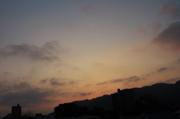 22日 7ー13 東の空-2