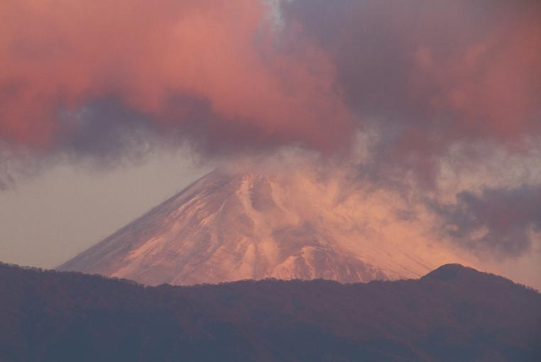 31日 6-54 今朝の富士山