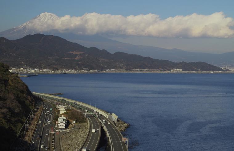 薩った峠の富士山-707-4
