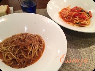 トマトとバジリコのシンプルスパゲティと和牛のラグースパゲティ
