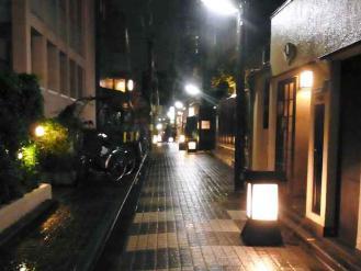 12-10-3 神楽坂夜道