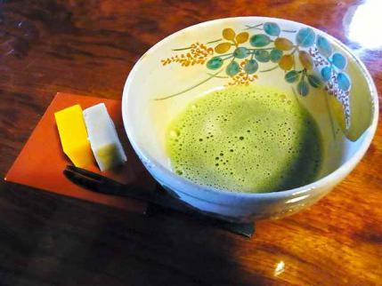 12-10-24-石 茶