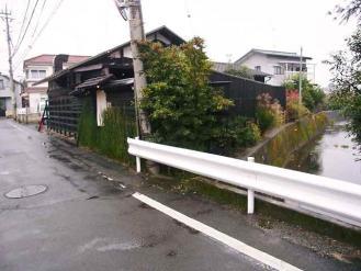 12-11-26 店遠目