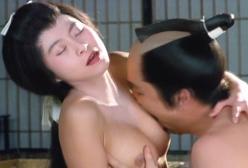 たまらず、乳房を愛撫する高田軍兵衛