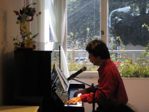 山水さんピアノ螻ア豌エ縺輔s繝斐い繝鯖MG_2303_convert_20130514080341
