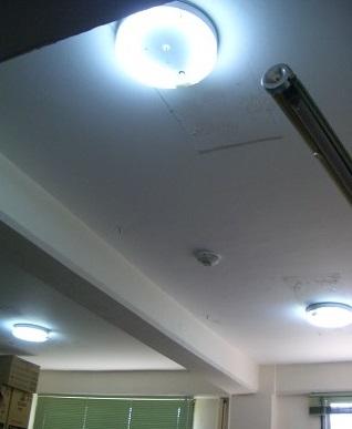 太鼓部屋の照明