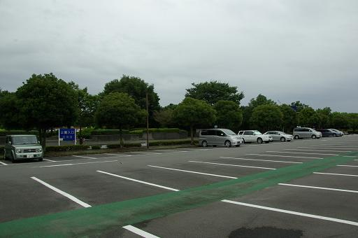 110820A-01shouwa kinen park parking