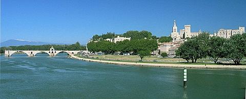 800px-France_Avignonアヴィに四
