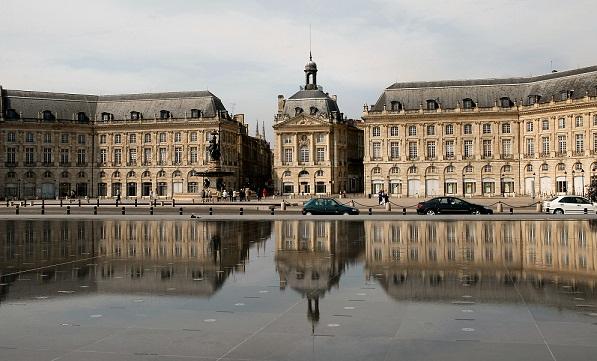 Miroir_deau_place_de_la_Bourseボルドー
