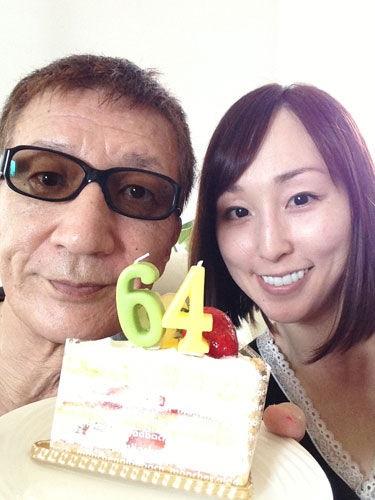 金スマ たかじんとさくらさんの愛たかじんの妻さくら(在日韓国人)にイタリア人との結婚歴!夫を捨て、たかじん死亡3か月前に入籍