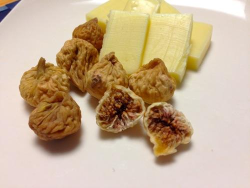 8乾燥イチジクとチーズ