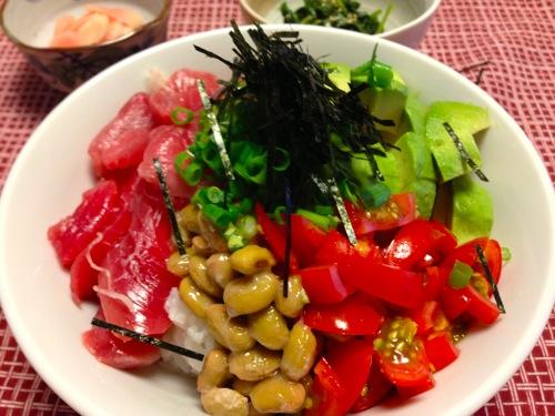 5マグロ・枝豆納豆・アボカド・トマト丼