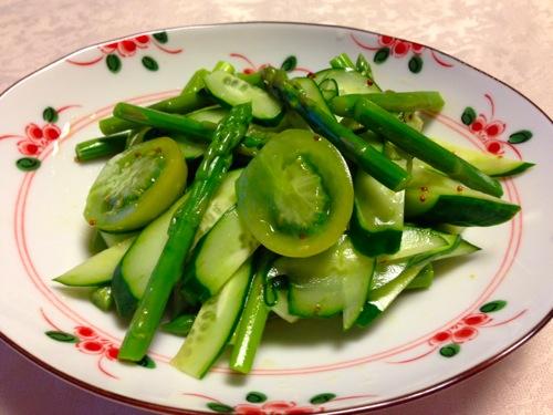 1アスパラとグリーントマトのサラダ