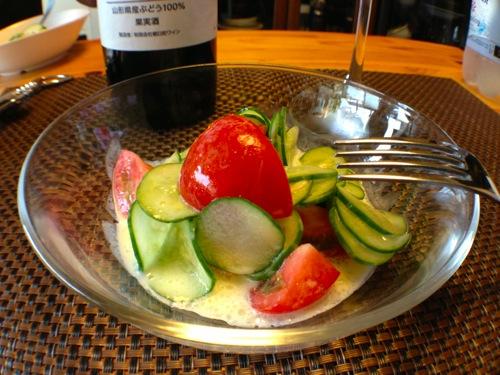 きゅうりとトマトの自家マヨサラダ