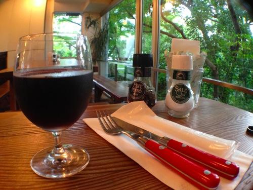 2赤ワインとロケーション