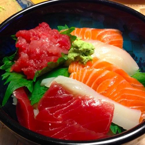 4海鮮丼アップ