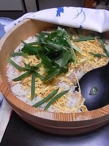 鮭寿司食べかけ~