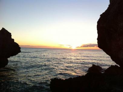 夕日がきれいな溶岩岩ポイント