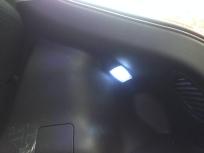 ラゲッジスペースの照明点灯