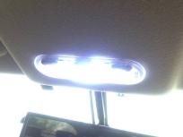 前席のLED点灯