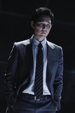 『新世界』  刑事チャソン役のイ・ジョンジェ