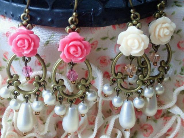 薔薇カボションのシャンデリアピアス2