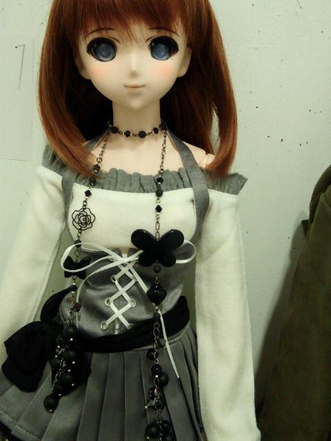 遥佳さん黒蝶とクリスタライズのラリエット2