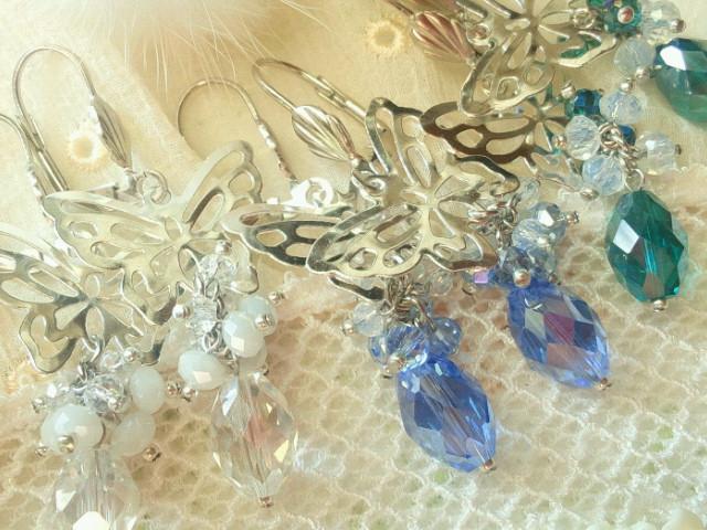 蝶とカットガラスのしゃらんらフレンチフックピアス3