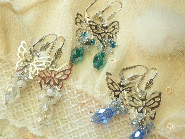蝶とカットガラスのしゃらんらフレンチフックピアス1