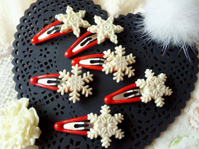 ドール用雪の結晶ミニぱっちんピン赤1