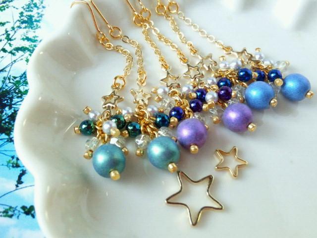 小さな星とチェコガラスのしゃらんらチェーンピアスGメタリックシェード2