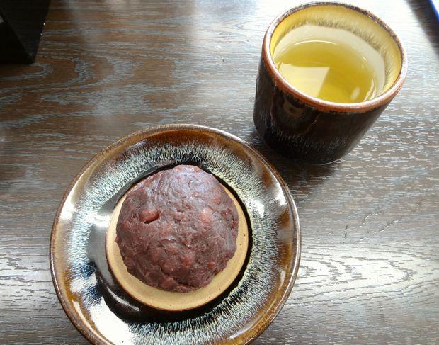 『資さんうどん 諸岡店 』ぼた餅(1ケ120円)