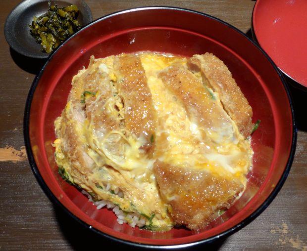 『まる謙うどん』カツ丼(単品600円)